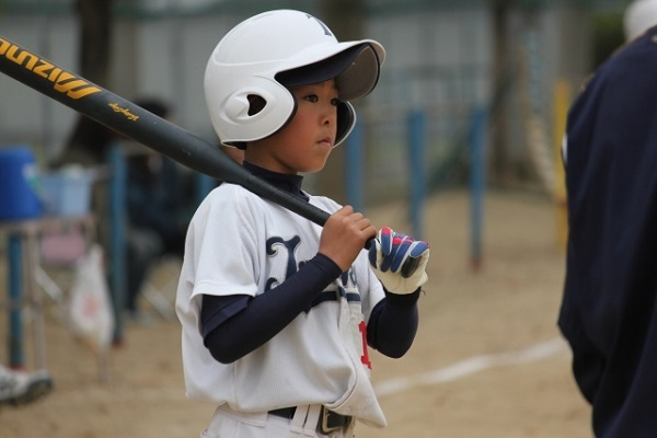boy-baseball-bat1